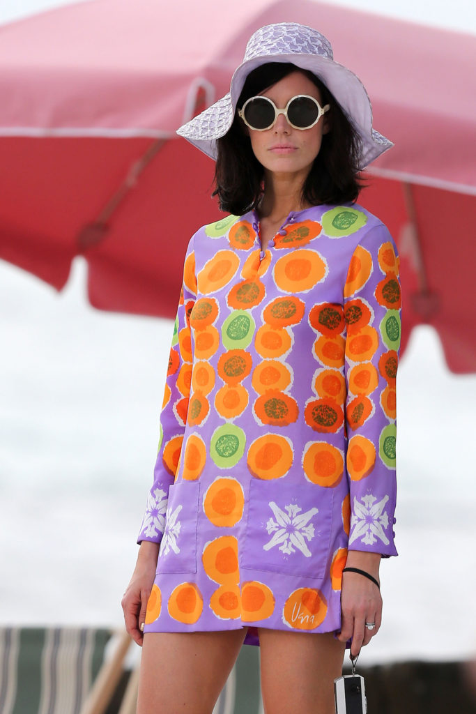 50926197 Actors Jon Hamm and Jessica Pare film a wedding scene for their hit TV show 'Madmen' on the beach in Maui, Hawaii on October 24, 2012. FameFlynet, Inc - Beverly Hills, CA, USA - +1 (818) 307-4813